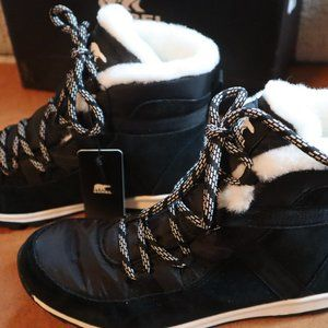 Sorel Whitney Flurry SZ 8.5 NEW !!